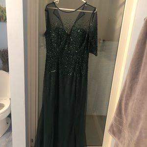 Green dress. Sparkling sequins